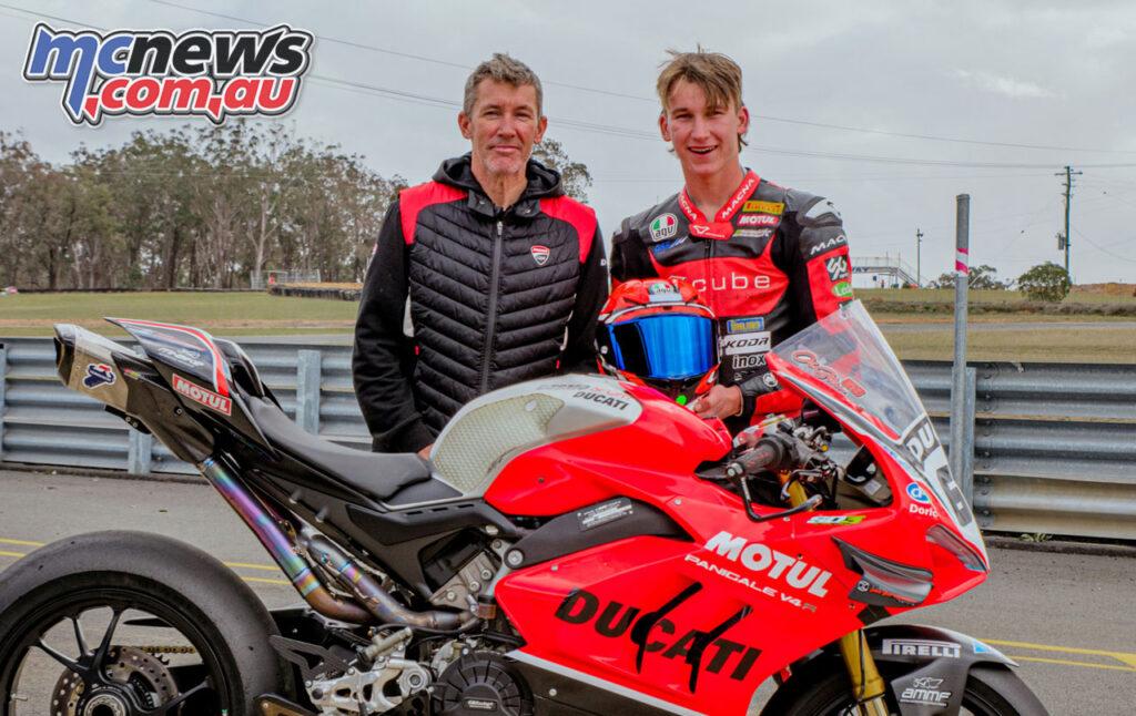 Troy Bayliss and Oli Bayliss with the DesmoSport Ducati V4R