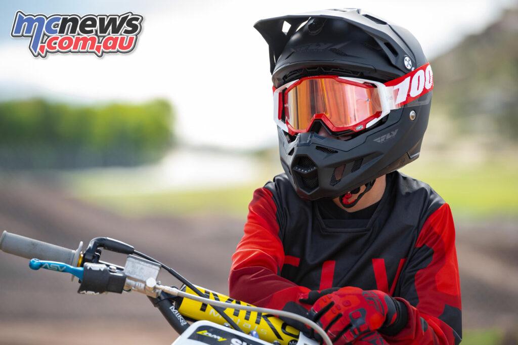 Fly Racing Kinetic helmet (Youth)