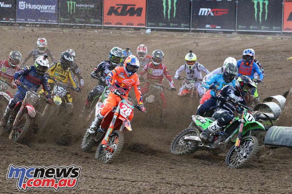 MX2 Race 2 Start