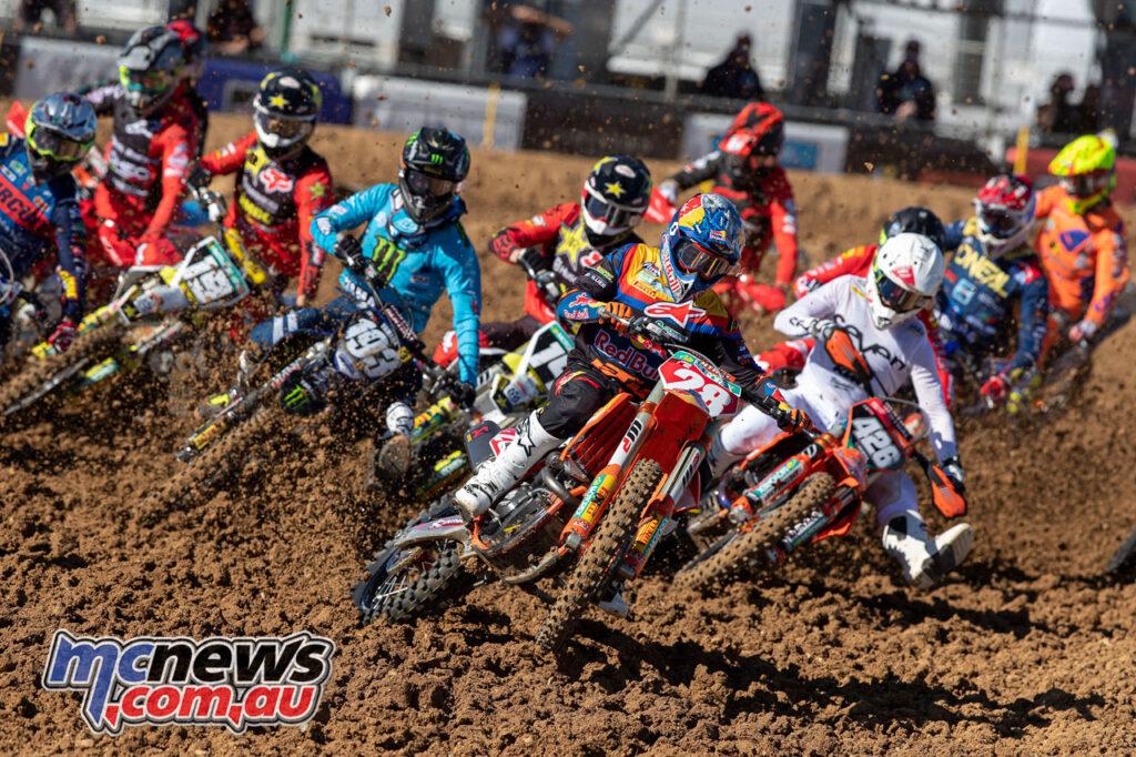 MX2 Race Start