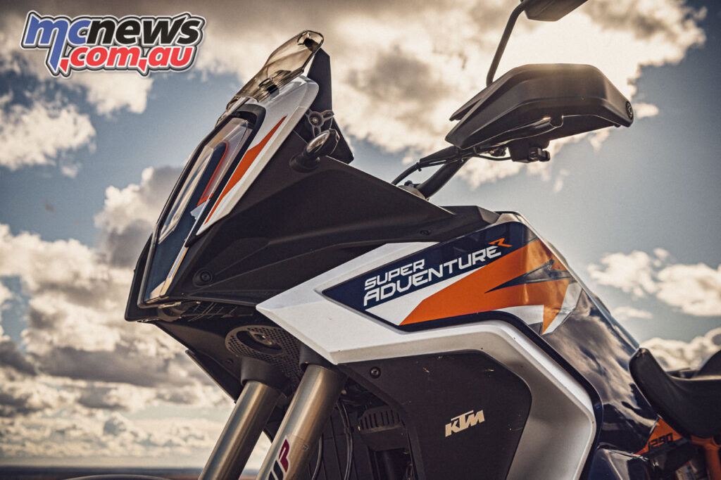 The 2021 KTM 1290 Super Adventure R features dual radiators and a new LED DRL headlight