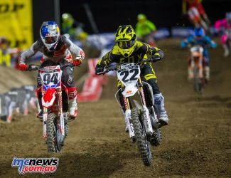 Ken Roczen battling with Chad Reed at A2