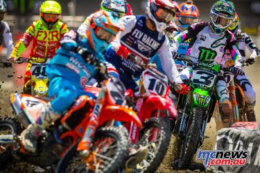 Bagget, Brayton and Tomac in the 450SX start