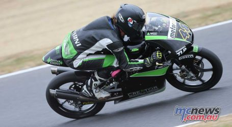 BSB Brands Hatch Sharni Pinfold ImageDYeomans