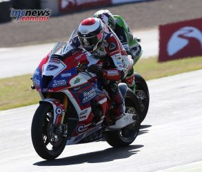 BSB RNd Knockhill Jake Dixon and Leon Haslam ImageDYeomans