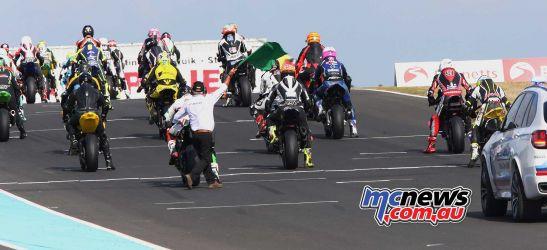 BSB RNd Knockhill Superstock race start ImageDYeomans