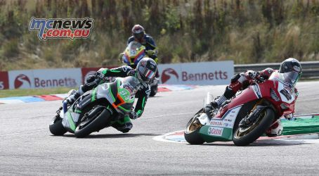 BSB Rnd Thruxton Jason OHalloran leads the group Image DYeomans