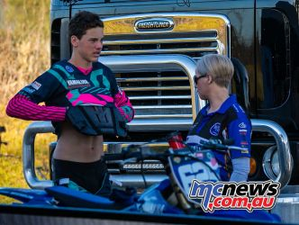 mx nationals coolum rnd mxd bailey getting ready ImageScottya
