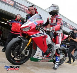 BSB Showdown Oulton Park Jason OHalloran in pitlane about to go ImageDyeomans