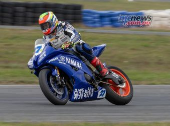 ASBK Rnd Wakefield RbMotoLens Nic LIMINTON Backing it in Turn one
