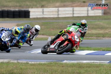 ASBK Rnd Wakefield R Troy HERFOSS First Lap RM