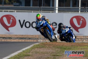 ASBK Rnd The Bend RbMotoLens SS R Last Corner Nic LIMINTON leads Tom TOPARIS