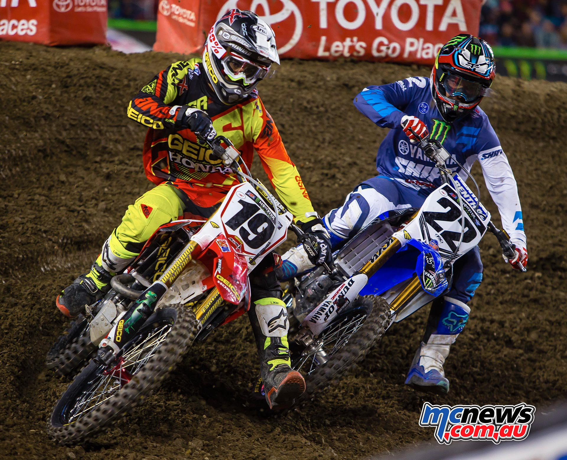 Justin Bogle tussling with Chad Reed at Santa Clara earlier this year. Image by Hoppenworld