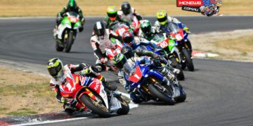 Troy Herfoss leads Wayne Maxwell at Winton