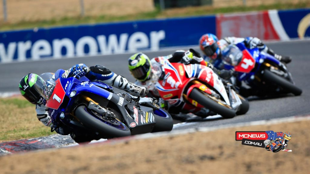Wayne Maxwell leads Troy Herfoss and Glenn Allerton at Winton - October, 2015